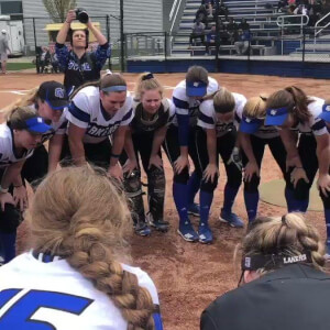 Photo on twitter by GVSUSoftball